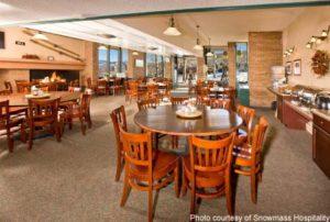 snowmassmountainchalet_diningroom